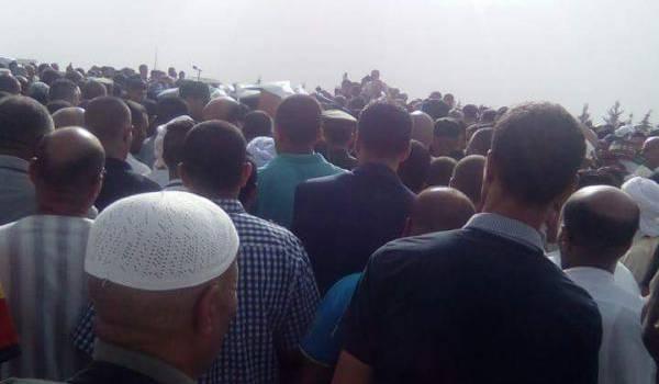 Une foule nombreuse est venue assister l'enterrement des deux valeureux policiers.