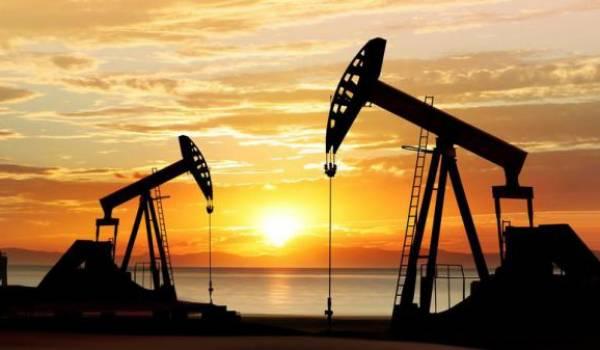 Le pétrole termine en nette baisse à New York, à 46,78 dollars le baril