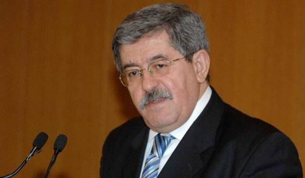 Ahmed Ouyahia s'inquiète des indemnités des députés !