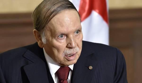 Le président Bouteflika vit reclus dans sa résidence ne recevant plus aucune personne en dehors de ses proches.
