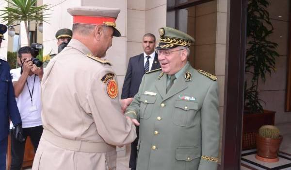 Le vice-ministre de la Défense.