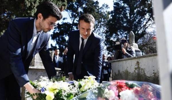 Emmanuel Macron au cimetière chrétien d'Alger en février dernier.