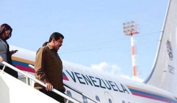 """Nicolas Maduro fait encore une """"escale technique"""" à Alger"""