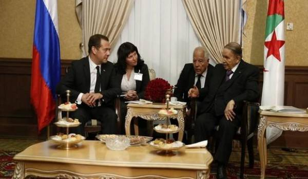 Le premier ministre russe reçu par Bouteflika.