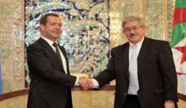 Ouyahia et Medvedev à Alger.