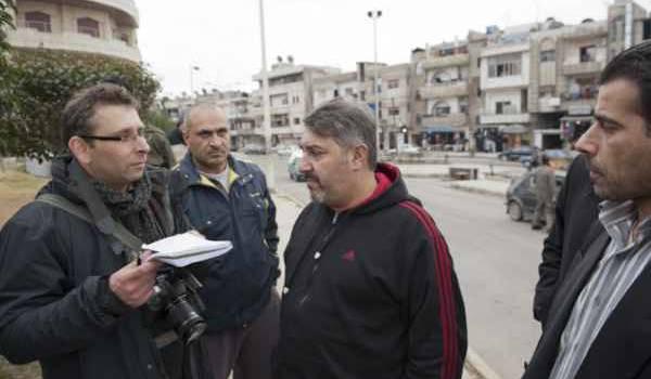 Jacques Duplessy, journaliste free-lance, se trouvait à Homs avec le groupe visé.