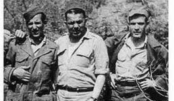 Abane entouré du colonel Sadek et Larbi Ben M'hidi