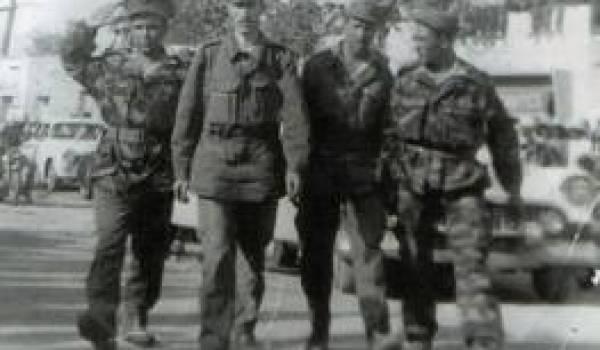 De g à droite : les colonels Chaabani, Boumediene et Zbiri
