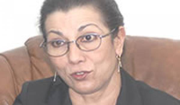 Louisa Hanoune ou le dur métier de trapéziste