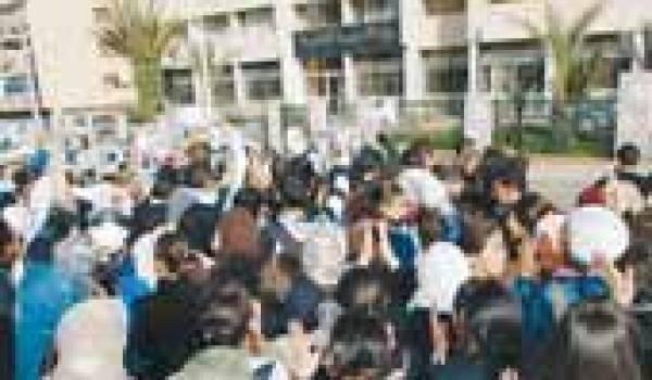 Le mouvement des lycéens se durcit, la répression policière se met en place