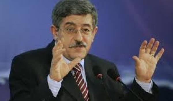 Ahmed Ouyahia, Premier ministre.