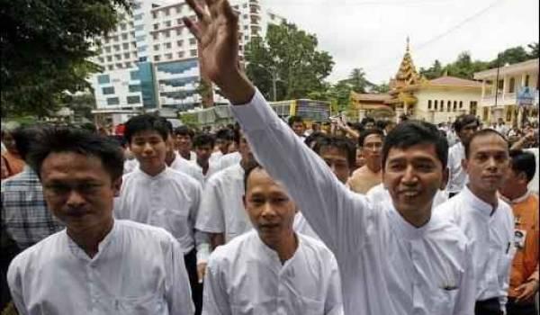 Des prisonniers politiques ont retrouvé la liberté après des années de prison.