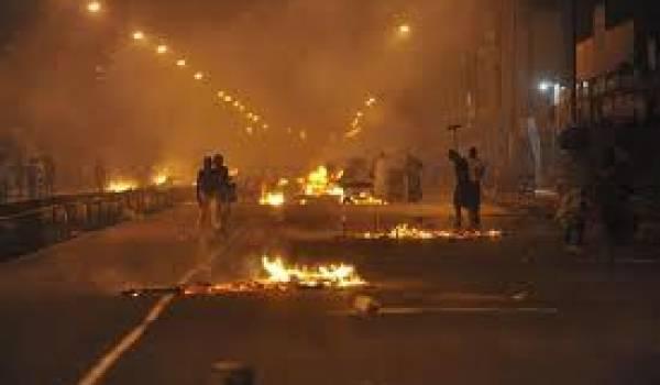 Arrestations d'opposants et tirs avec des balles en caoutchouc, la police ne fait pas de quartier.