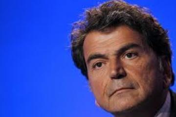 France : un ministre du gouvernement Sarkozy emploie une sans papier dans Claude Guéant