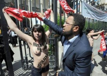 Femen_932426483.jpg&size=article_medium