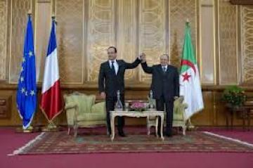 Bouteflika et Hollande à Alger.