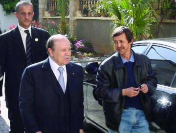 Les frères Bouteflika ne comptent pas quitter la présidence.