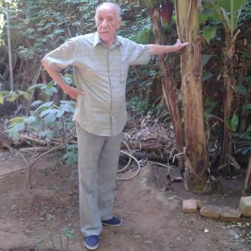 Rabia Ziani: Mémoires d'un jardinier (Entretien) dans Auteurs Algériens
